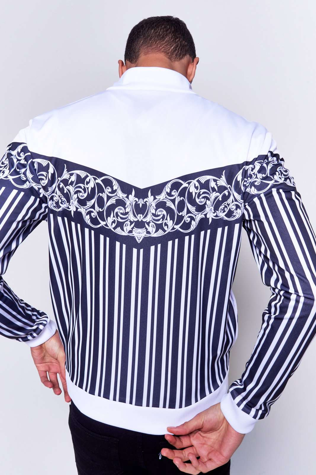 Black & White Baroque Tracktop