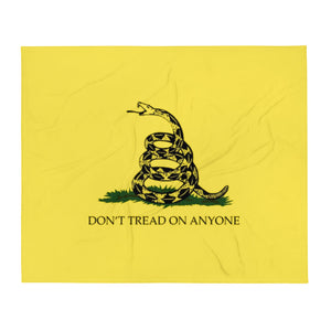 Don't Tread on Anyone Throw Blanket
