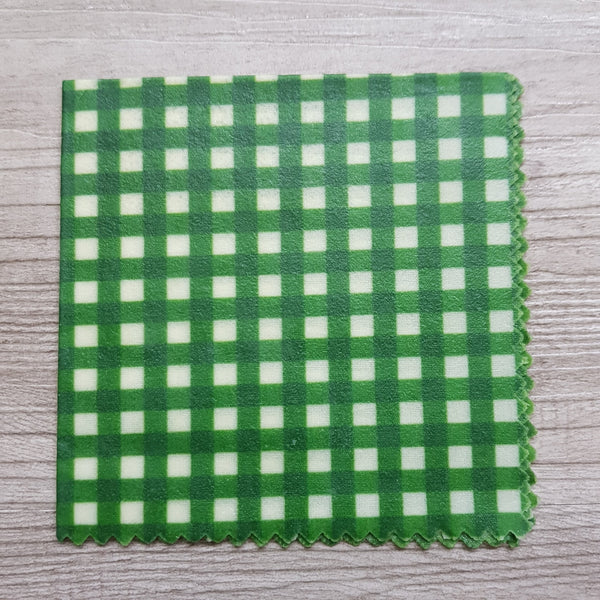 Small beeswax wrap - Green checkers