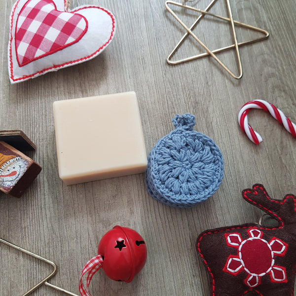 Christmas gift set: Soap with reusable facial cotton pads