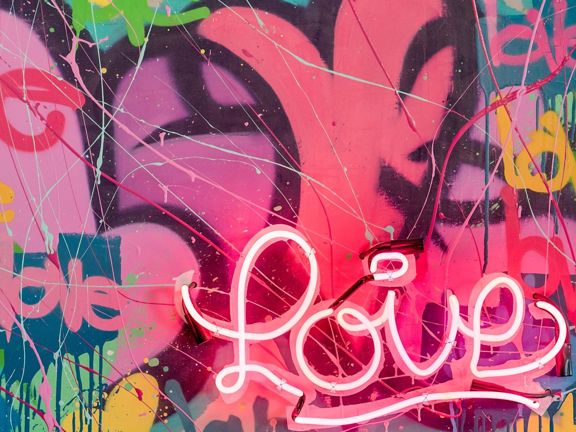"""LOVE IS ALL"": KARLOS MARQUEZ ON GRAFFITI, THE CORPORATE WORLD AND COMMUNITY LIFE"