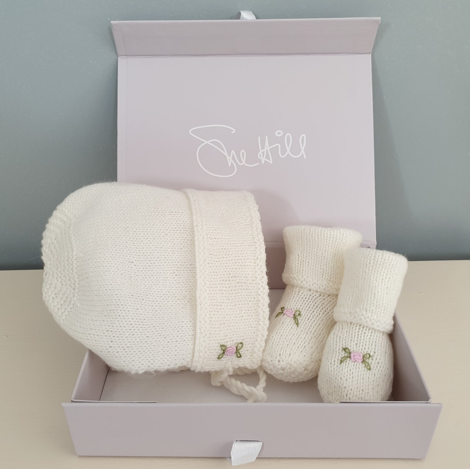 Cashmere Roses Bonnet & Booties Set