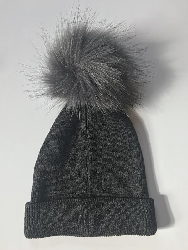 Ribbed Beanie with Pom