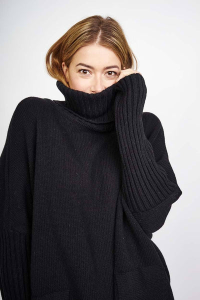 Adela Black Oversized Jumper - BIBICO
