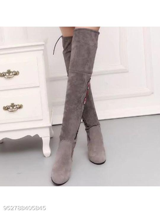 Embroidery Floral Chunky High Heeled Velvet Round Toe Outdoor High Heels Boots