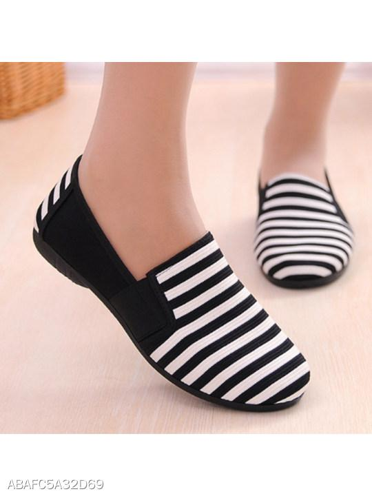 Striped Flat Round Toe Basic Flat & Loafers