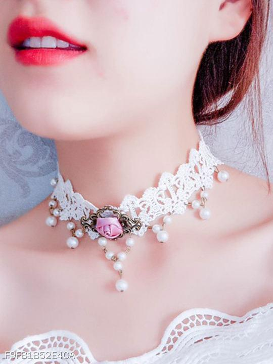 Romantic White Lace Chic Chokcer For Women
