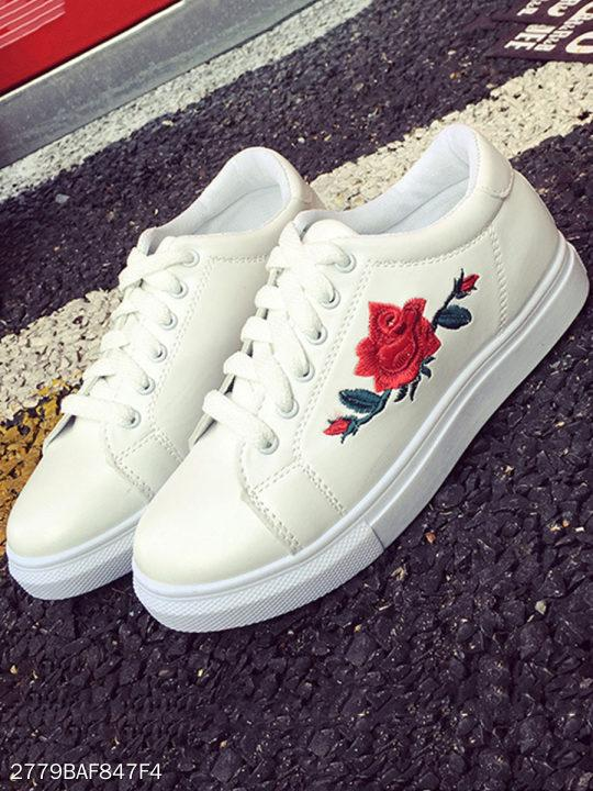 Embossed Floral Flat Faux Leather Round Toe Casual Cycle Sneakers