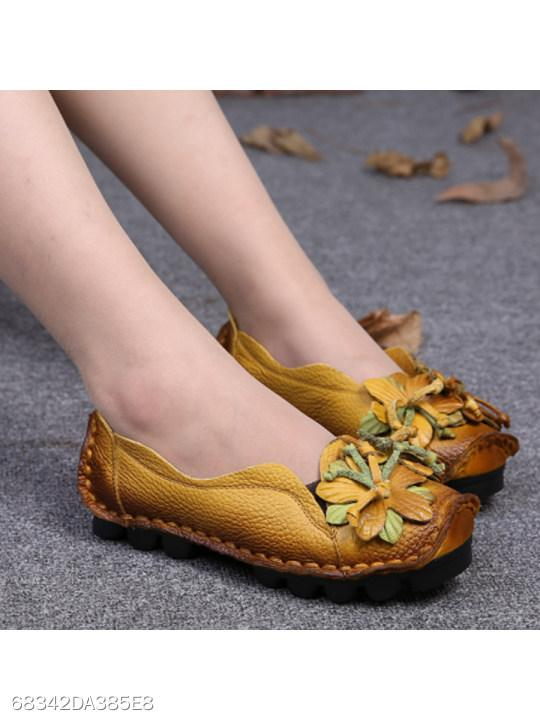 SOCOFY Flower Patch Soft Sole Loafers