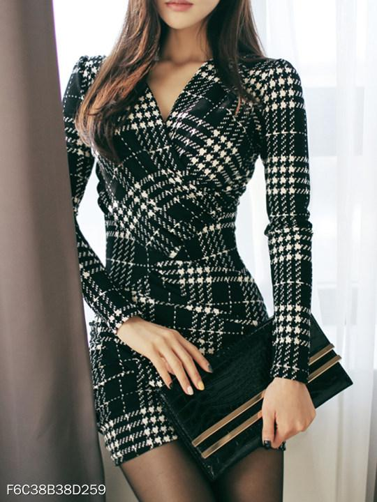 V-Nec Plaid Mini Bodycon Dress