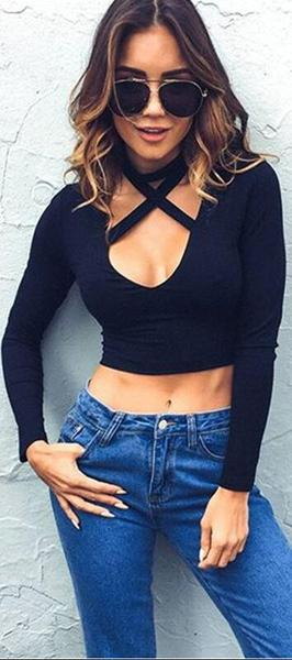 Deep V-neck Halter Long Sleeve Slim Black T-shirt