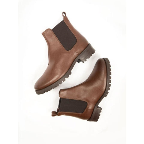 Chelsea Boots - Chestnut - Boots