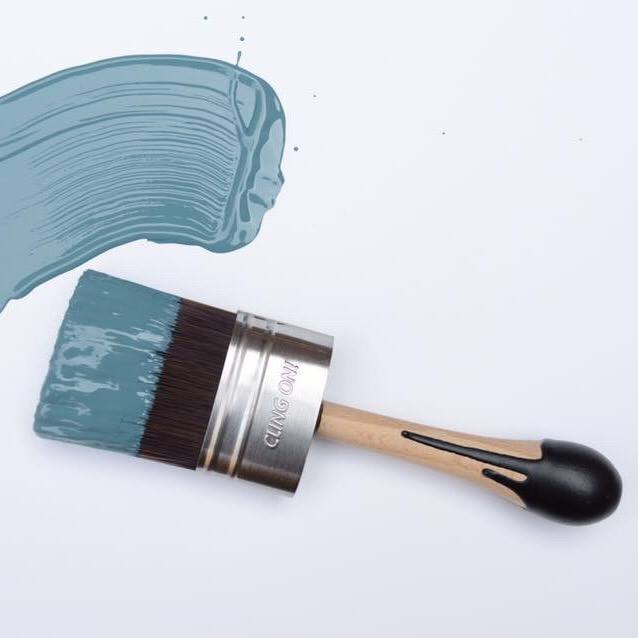 Cling On Shorty Brushes