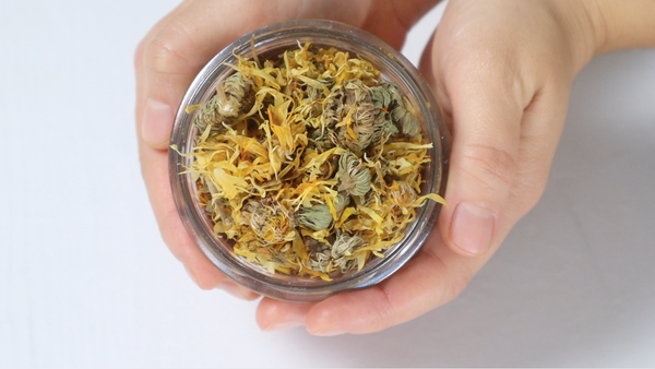 calendula petal bath salts diy recipe zero waste