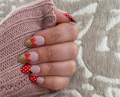 Red Bow Nail Strips