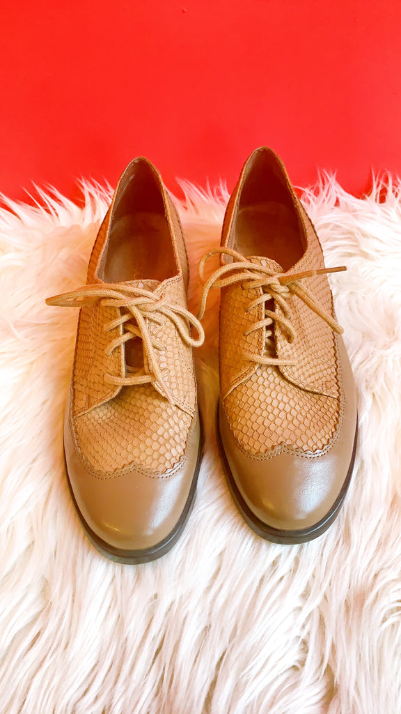 Aerosoles Lace Up Loafer