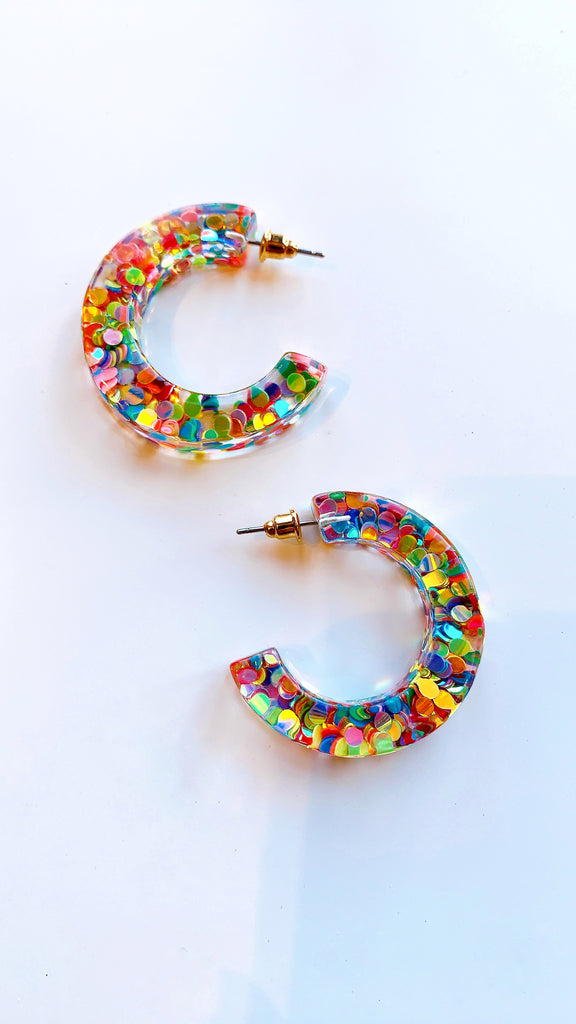 Clear confetti hoop earrings
