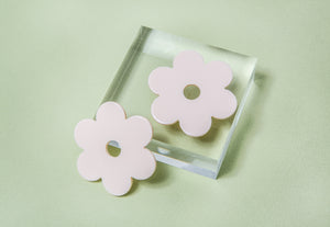 Large Ivory Acetate Daisy Earrings