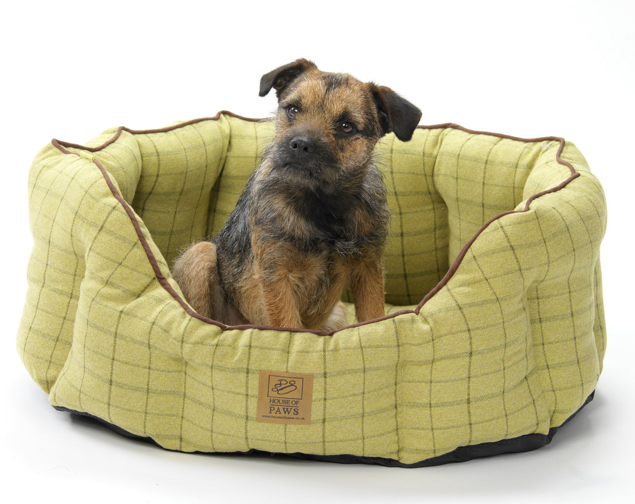Green Tweed Oval Snuggle Bed