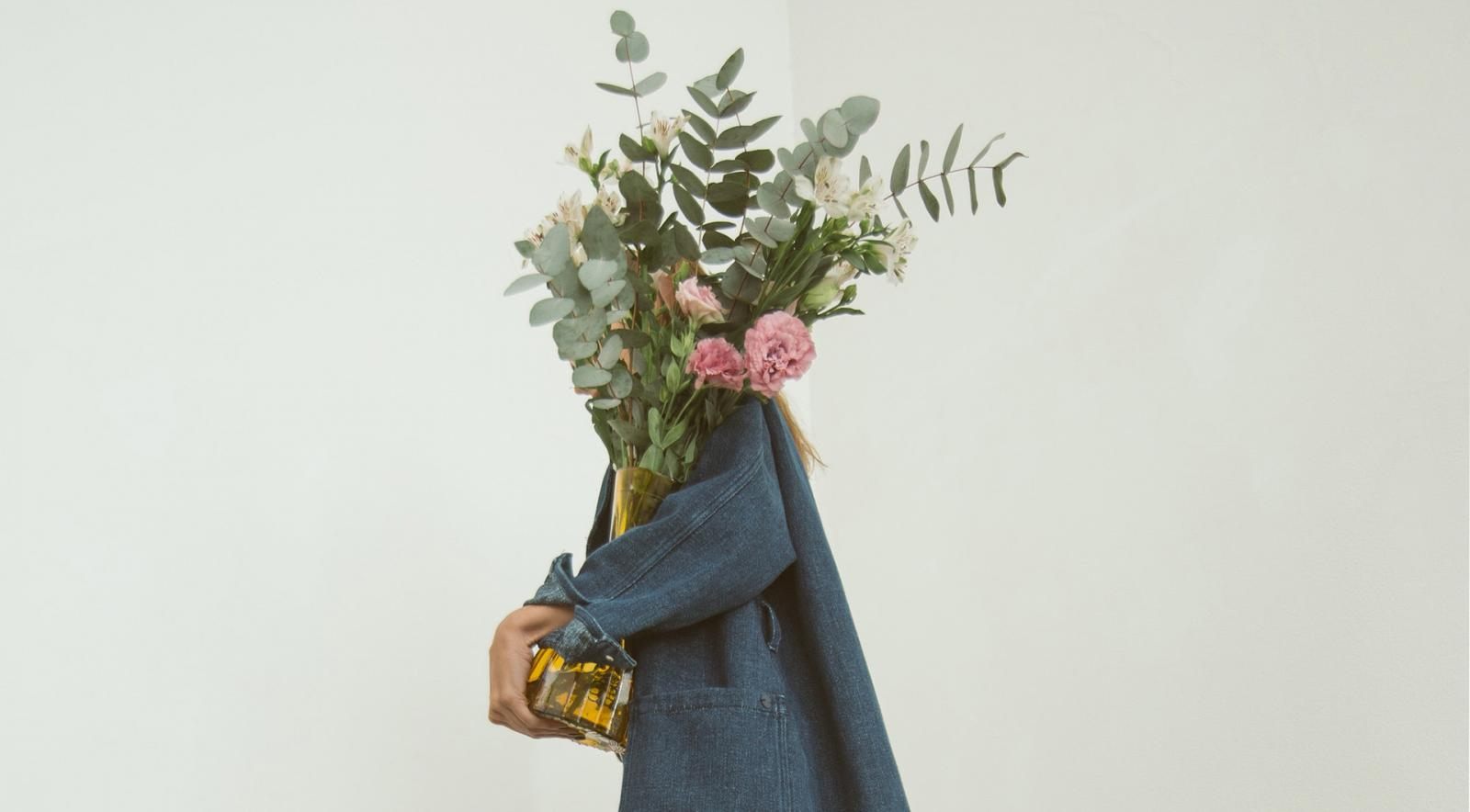 sustainable-fashion-flowers