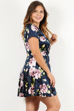 Load image into Gallery viewer, Floral Dress (Plus)