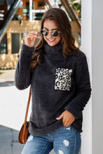 Load image into Gallery viewer, Leopard Fleece Tops