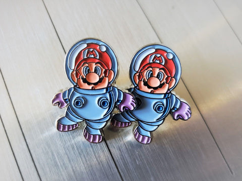 Super Mario Land 2 Astronaut Spaceman - Metal Collector Pin