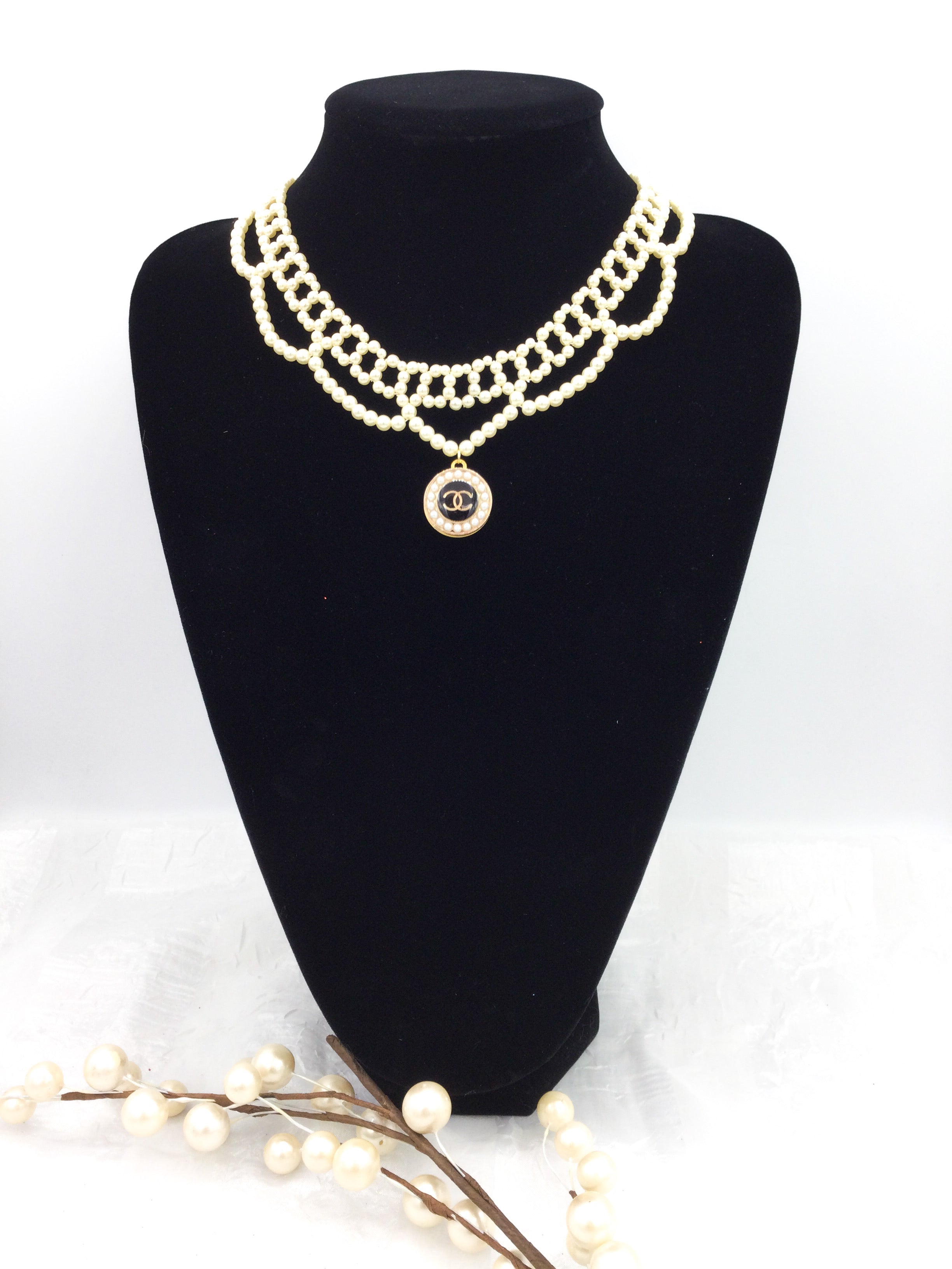 Vintage Faux Pearl Designer Button Choker Necklace