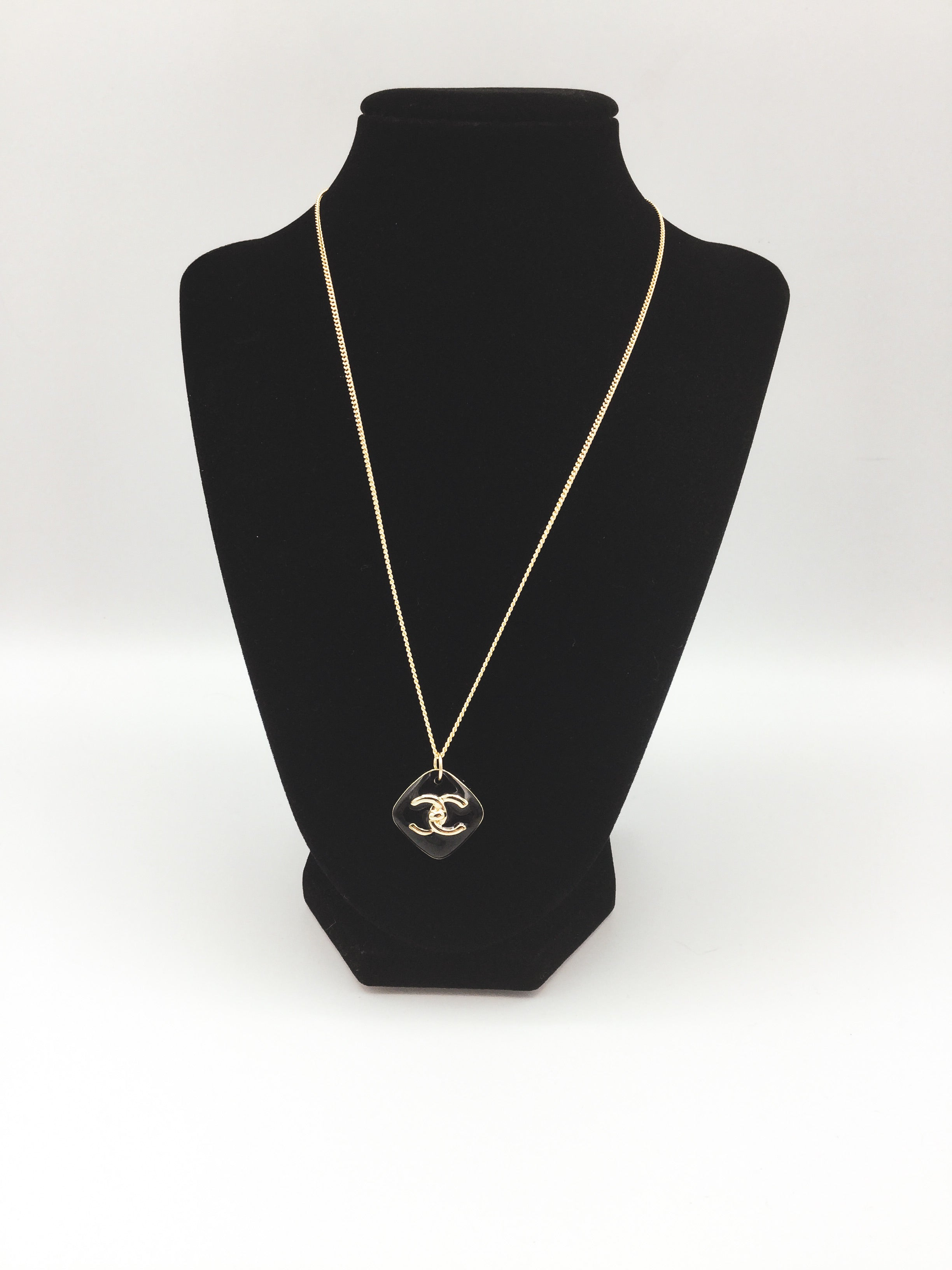Designer Diamond-Shaped Button Black and Gold Necklace