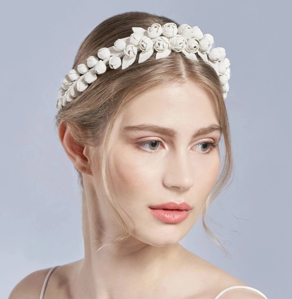 berlin hand made bridal couture accesories, romentically opulent to purist and mordern leather flower wedding hairband  hairband