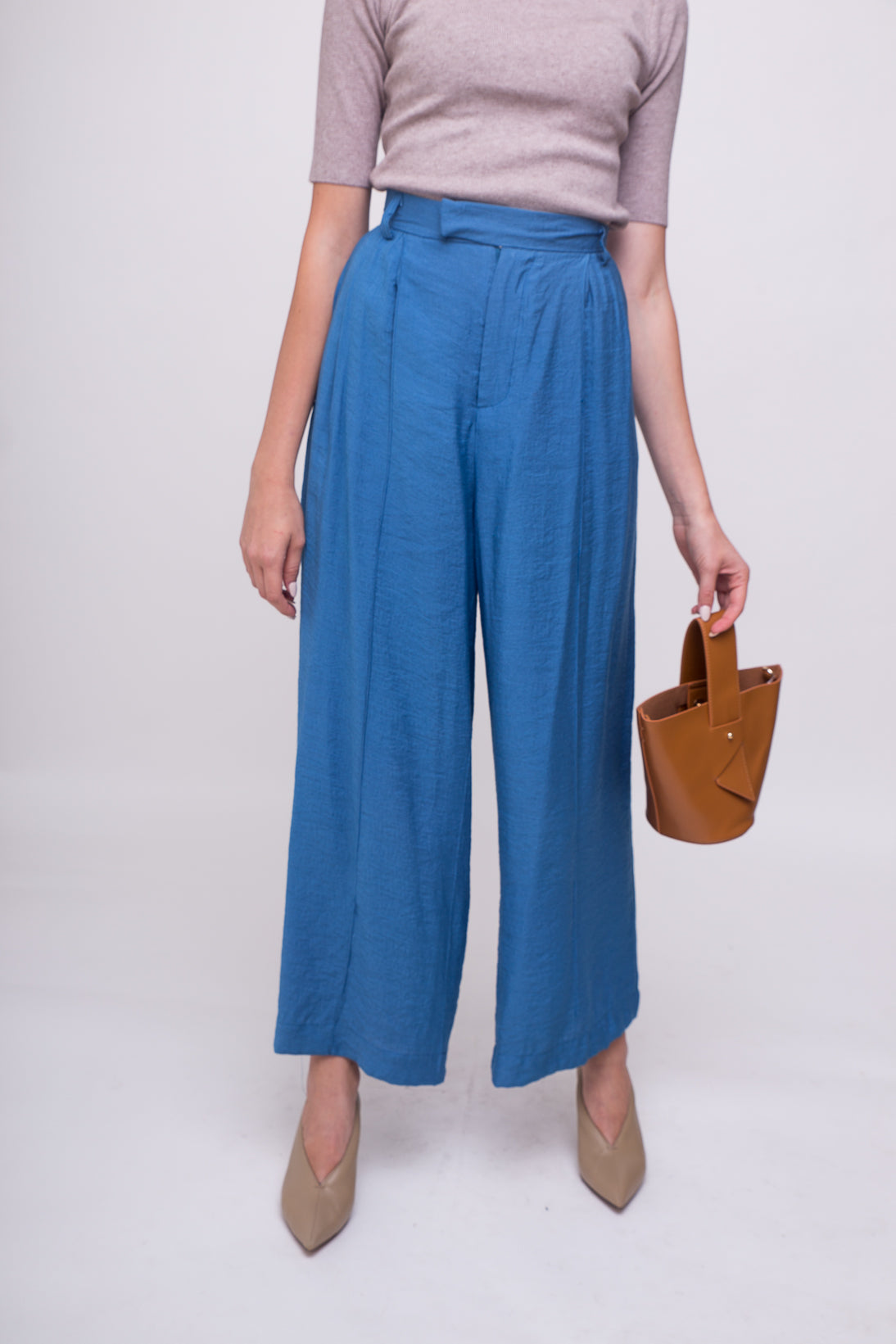 Casual, chic, smart and elegant high waist dress pants.