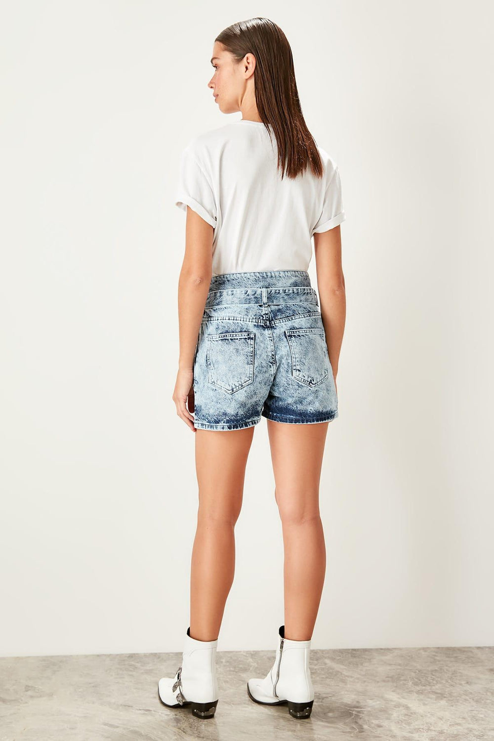 Miss Zut Miss Zut Mavi Back Flush Mount Detailed Denim Shorts Miss Zut &CO