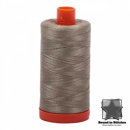 Aurifil Mako 50wt Cotton 1422 yd. (1300 m) spool - 2900 Light Khaki Green