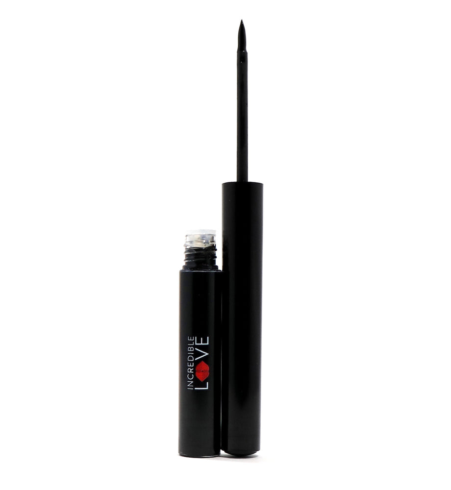 Májia Liquid Eye Liner