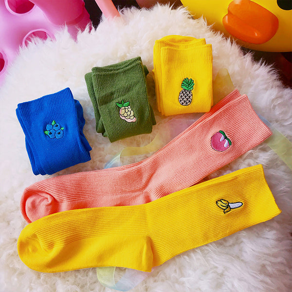 College style fruit pattern embroidered cotton socks yc23323