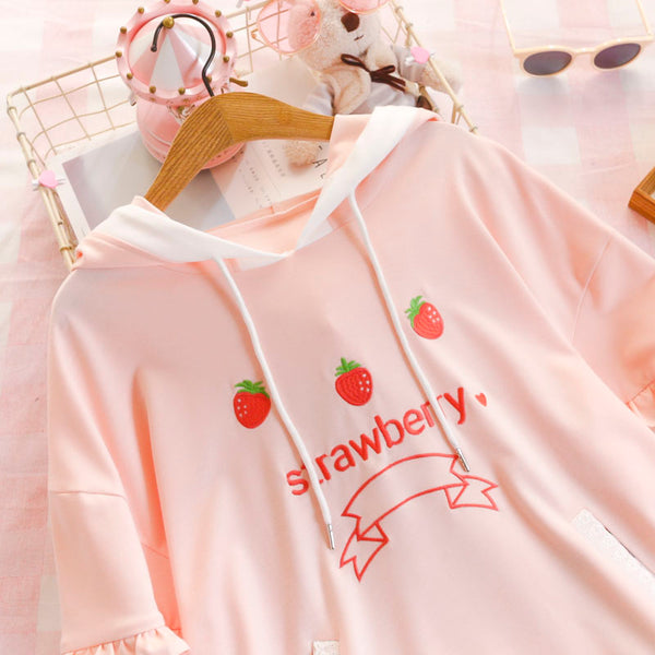 Lolita Strawberry Sweatshirt yc21070