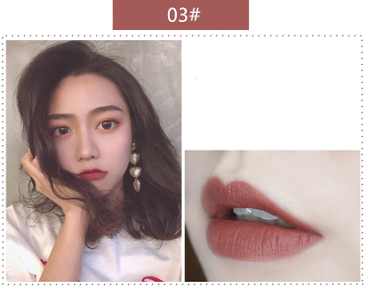 Chinese retro style small gold lipstick   YC21250