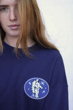 "Load image into Gallery viewer, Sudadera blue ""astronauta"""