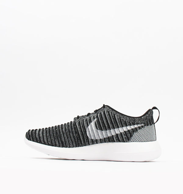 Roshe Two Flyknit - Men's