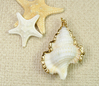 Maple Leaf Shell Pendant