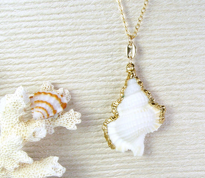 Maple Leaf Shell Necklace