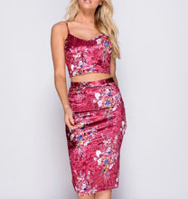 Load image into Gallery viewer, Floral Print Velvet Co-Ord Set