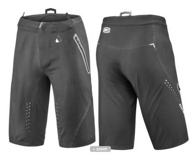 Giant Traverse Short Black
