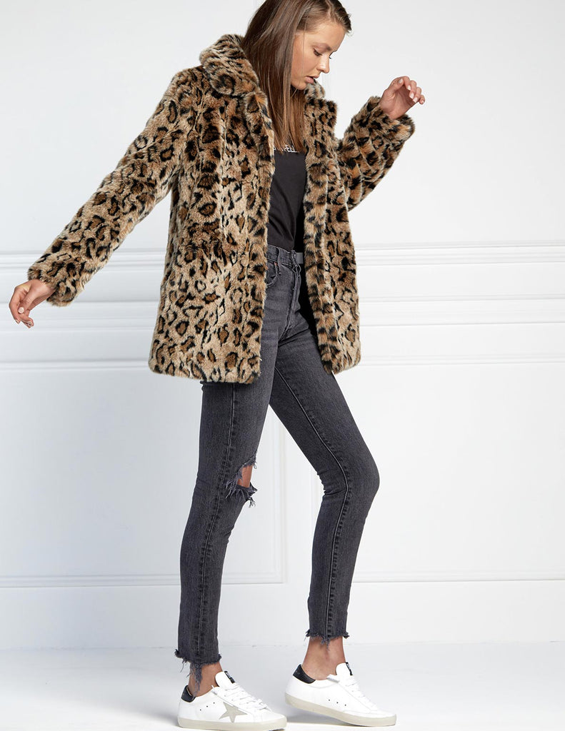 ANIMAL MINIMALIST FAUX FUR JACKET