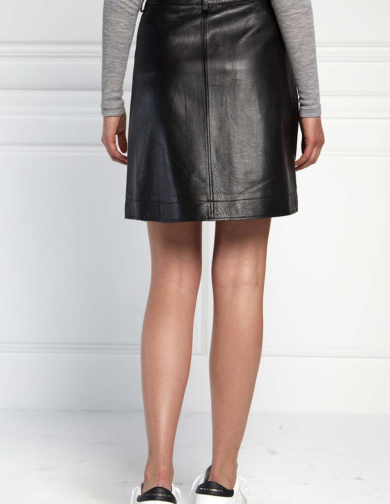 POCKET A-LINE SKIRT