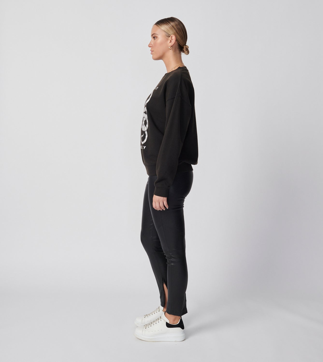 Yin Yang Sweatshirt - Washed Black