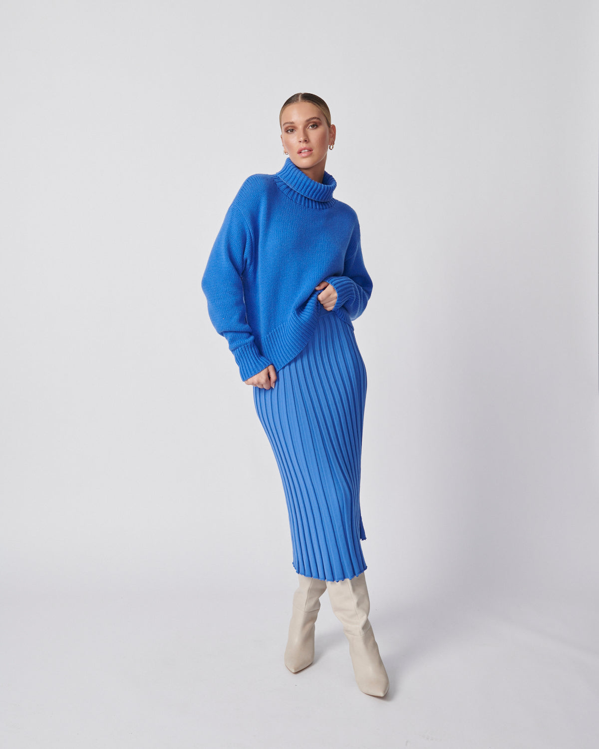 Cropped Roll Neck Knit - Blue