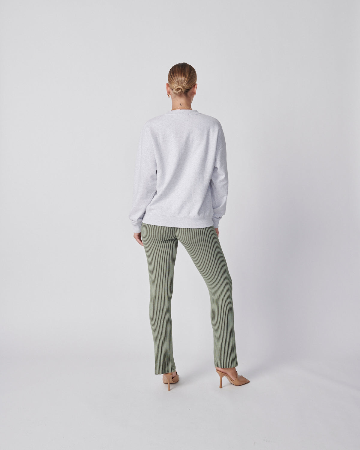 Wilderness Sweatshirt - White Marle