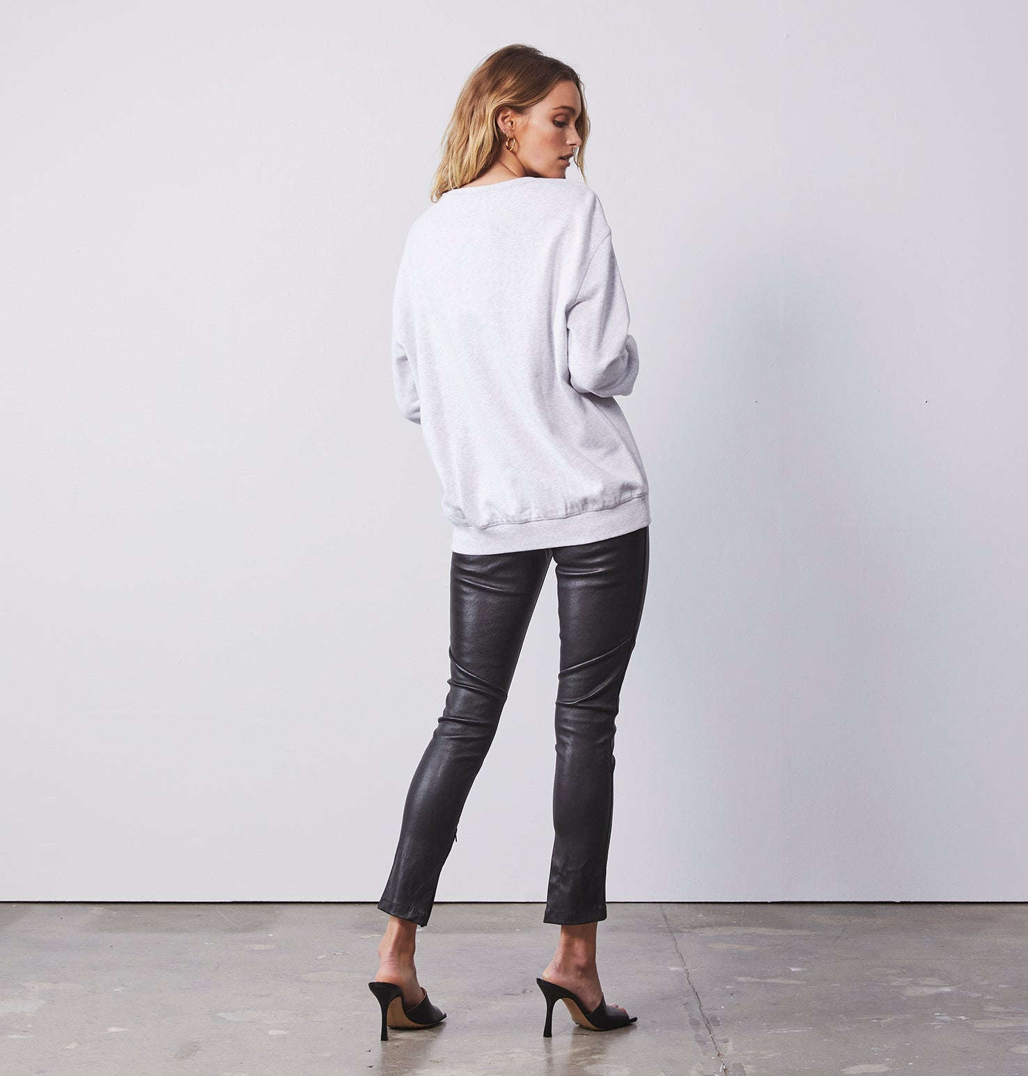 Block Logo Sweatshirt - White Marle
