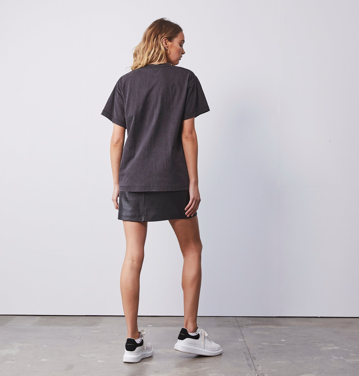 Python Bloom Tee - Washed Black